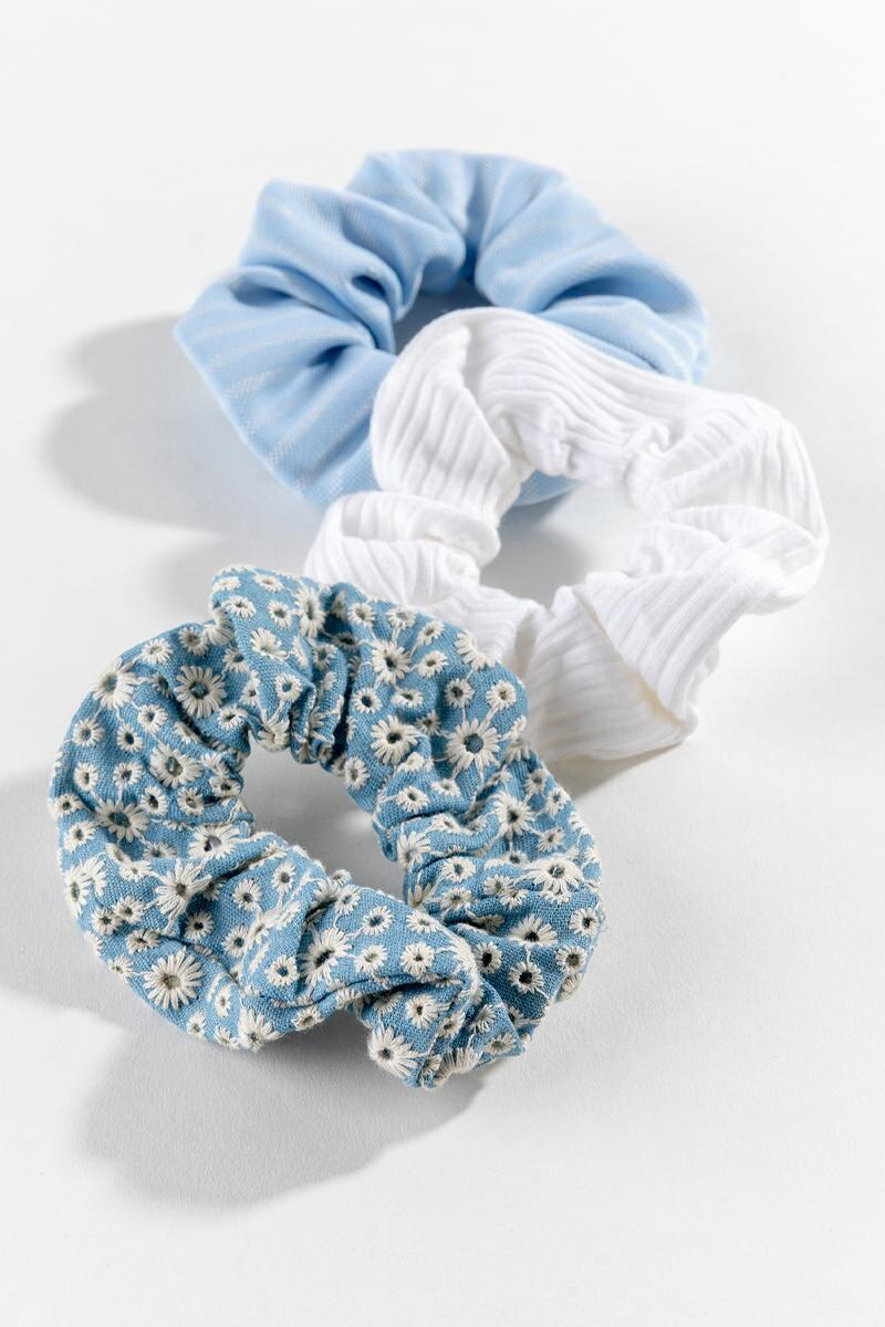 Daisy Denim Scrunchies-  chbr-cl2