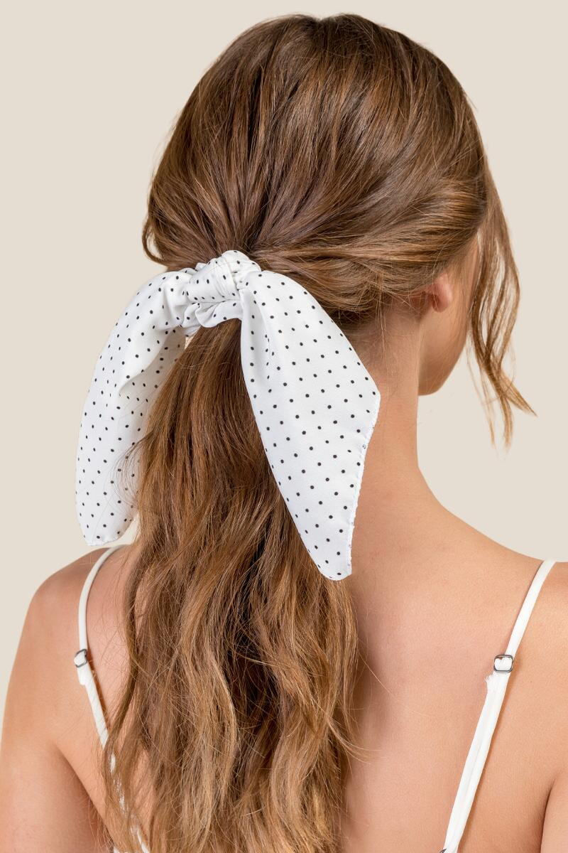 Jaslene Short Tail Pony Scarf in White-  bkw-clmodel