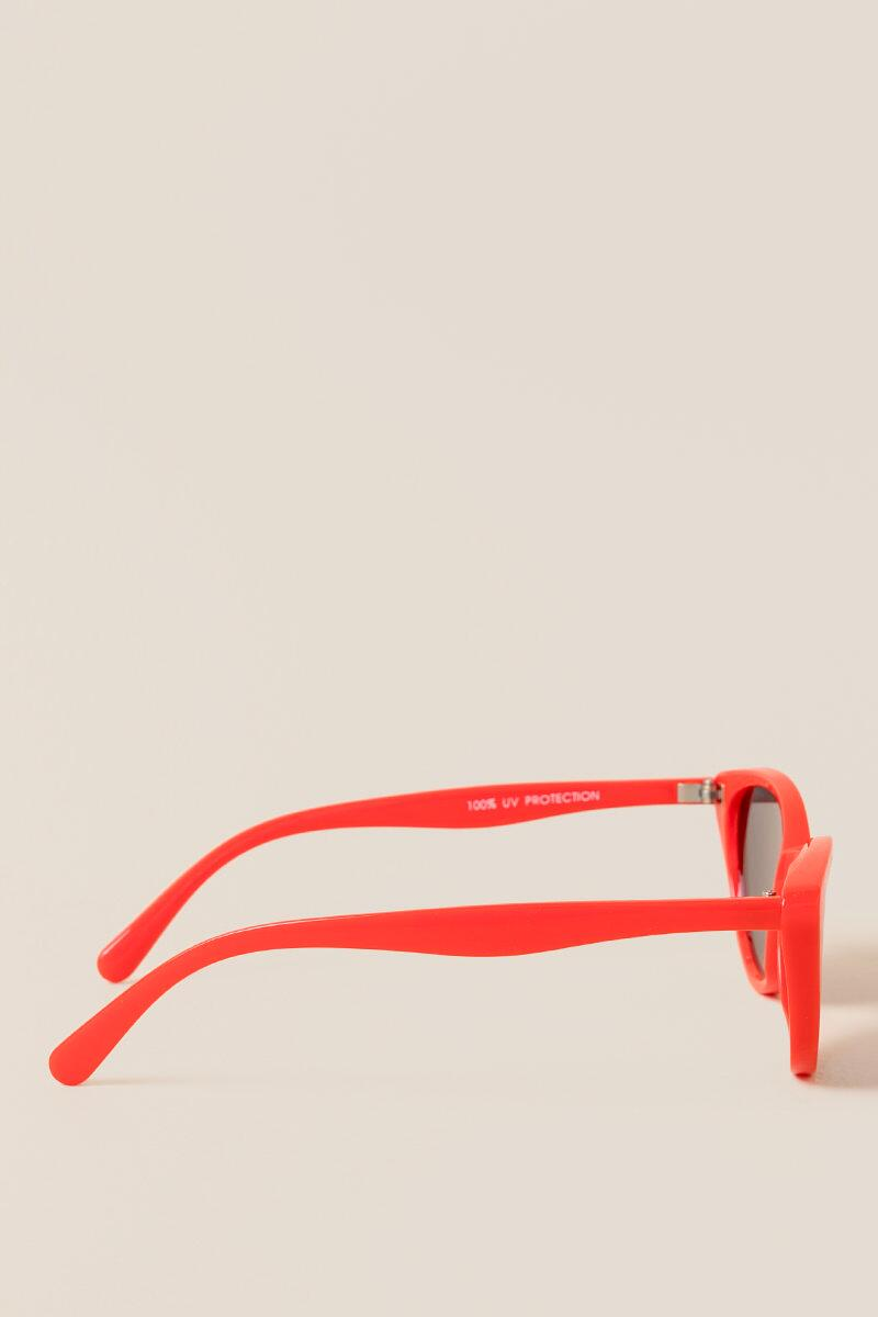 I Spy Red Cat Eye Sunglasses- Red 4