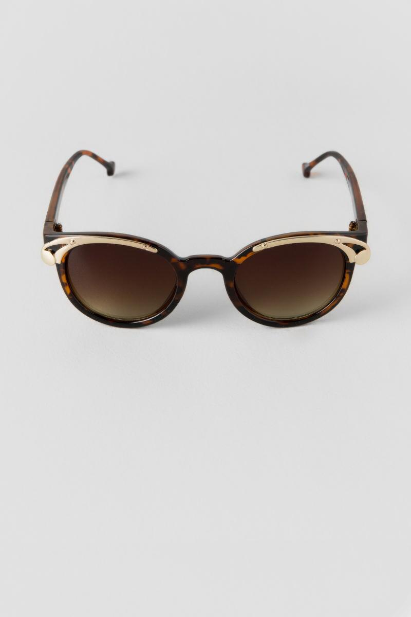 Ready or Not Runway Sunglasses-  tort-clfront