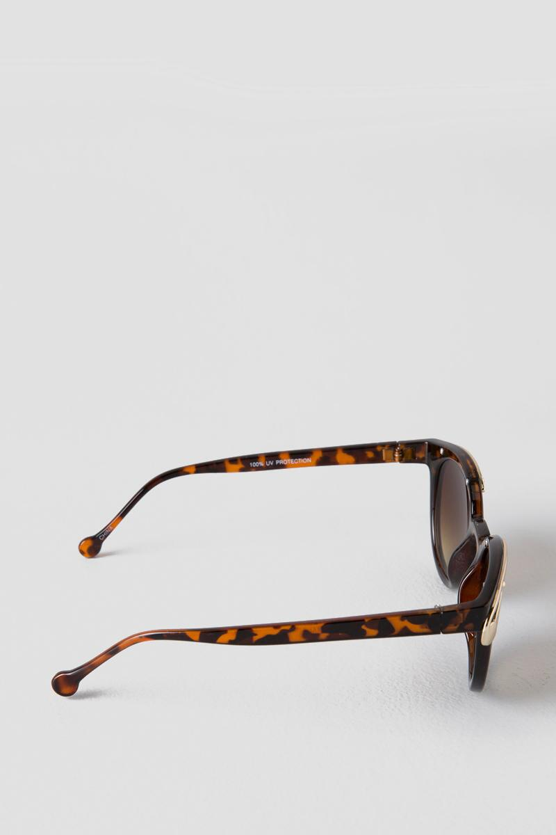 Ready or Not Runway Sunglasses-  tort-clside
