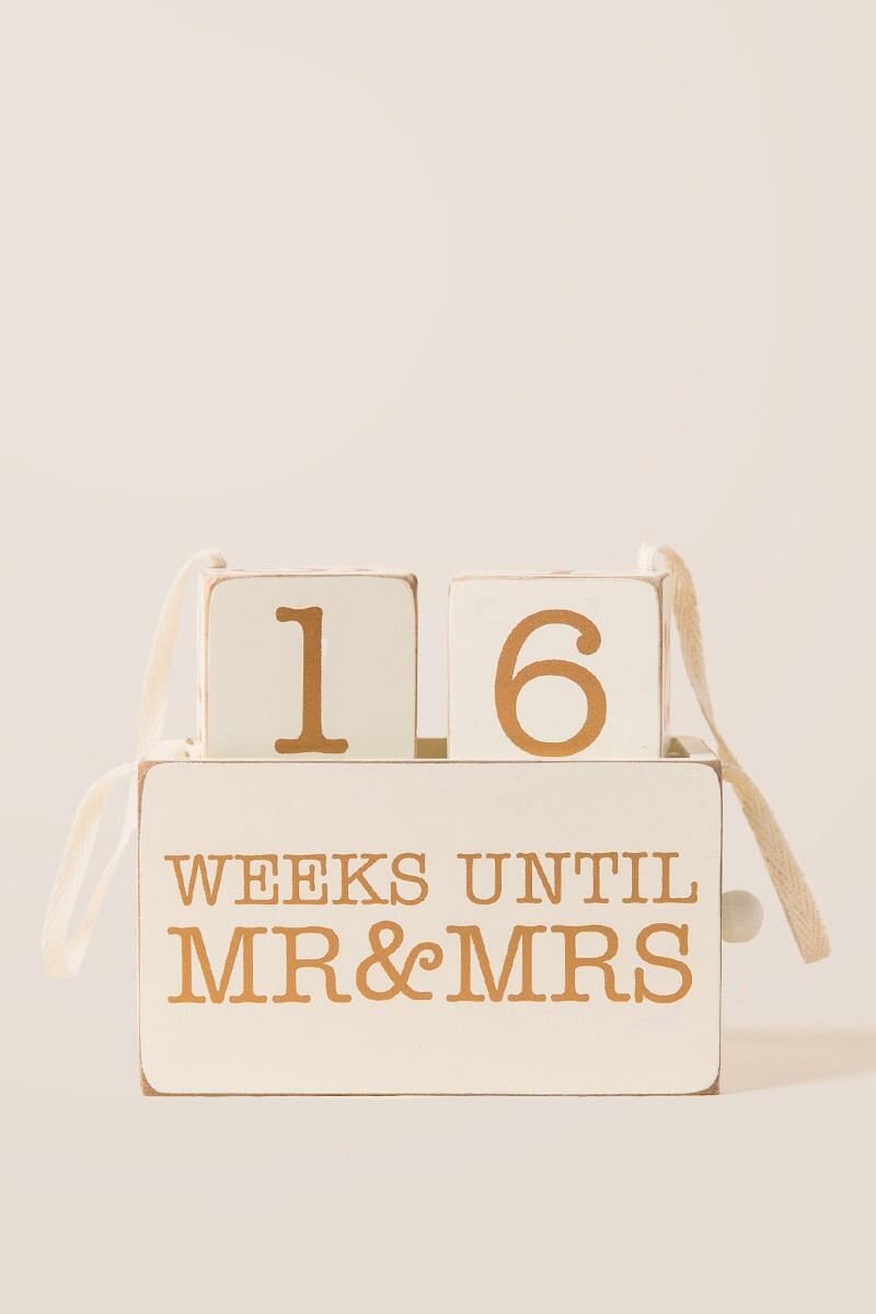 Mr. & Mrs. Countdown