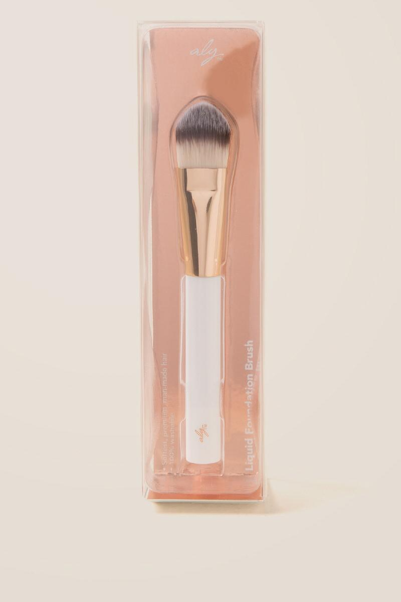 aly Foundation Brush