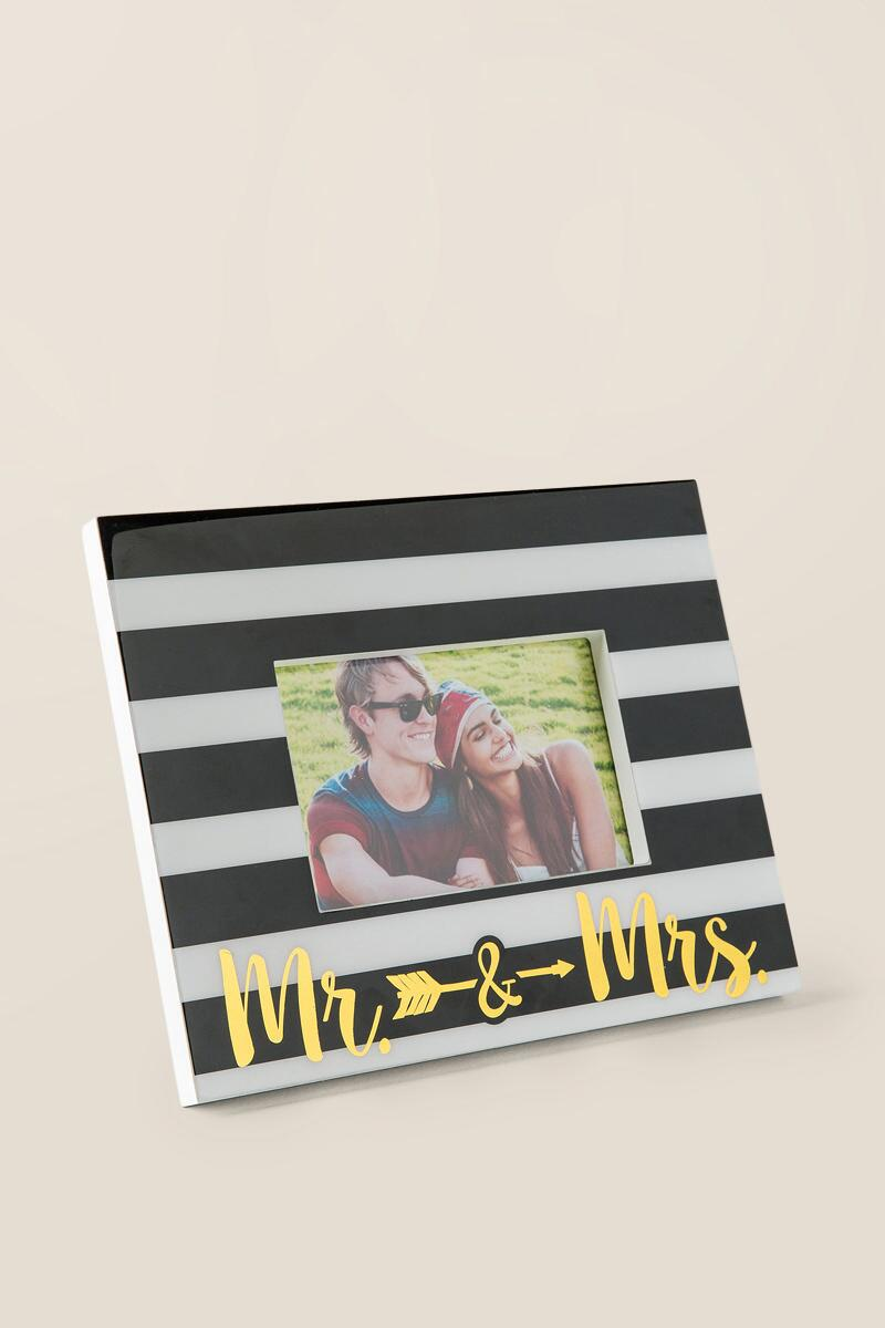 Mr. & Mrs. Arrow Striped Frame-  gift-clalternate2