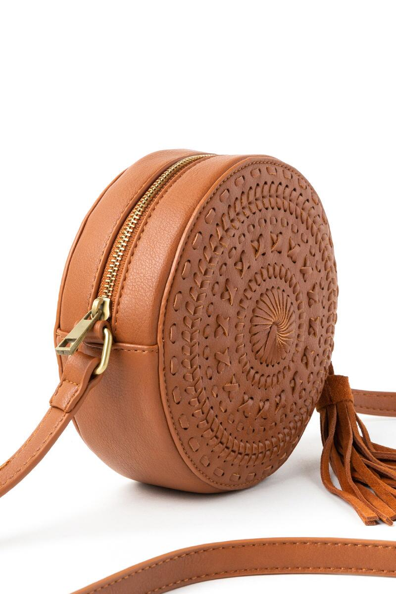 Cassandra Round Whipstitich Crossbody in Brown-  brwn-cl2