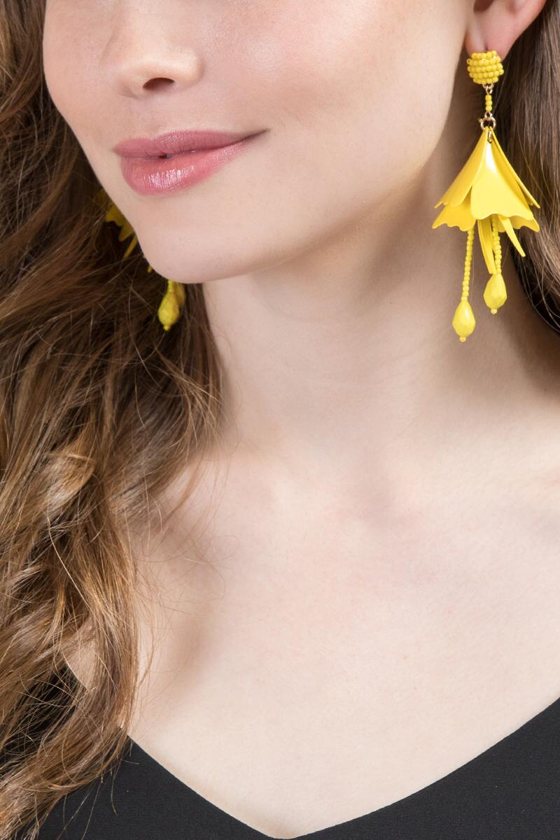 Soledad Deconstructed Flowers in Yellow-  yllw-clmodel