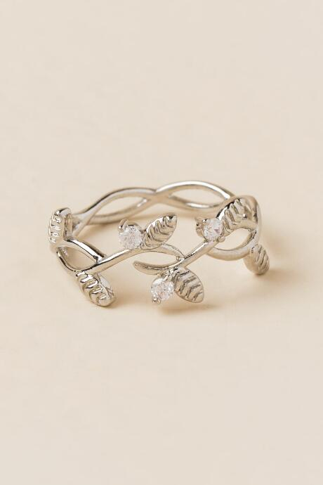 Artemis Filigree Leaves Ring