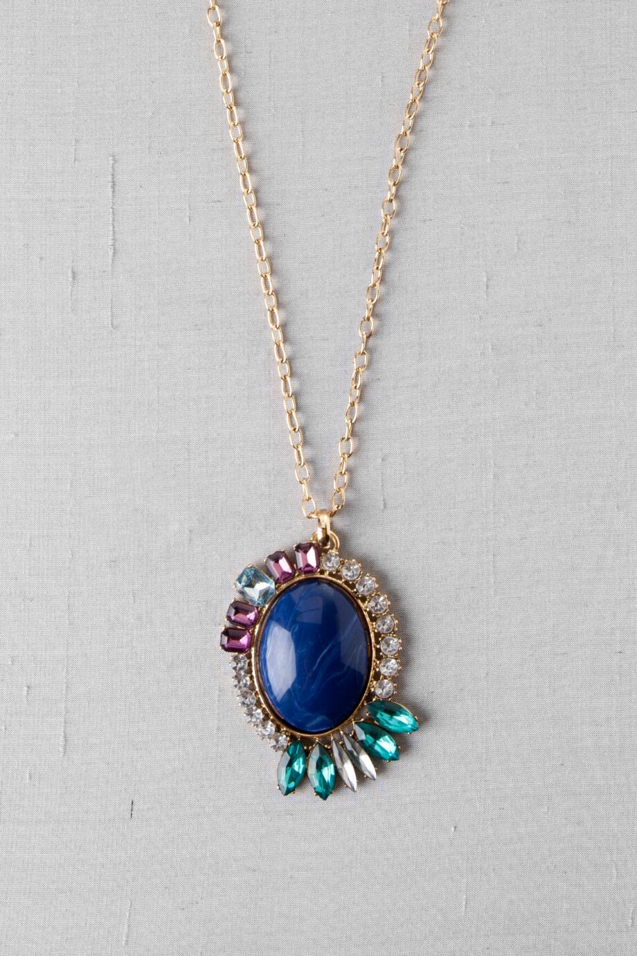 Buena Vista Jeweled Pendant Necklace