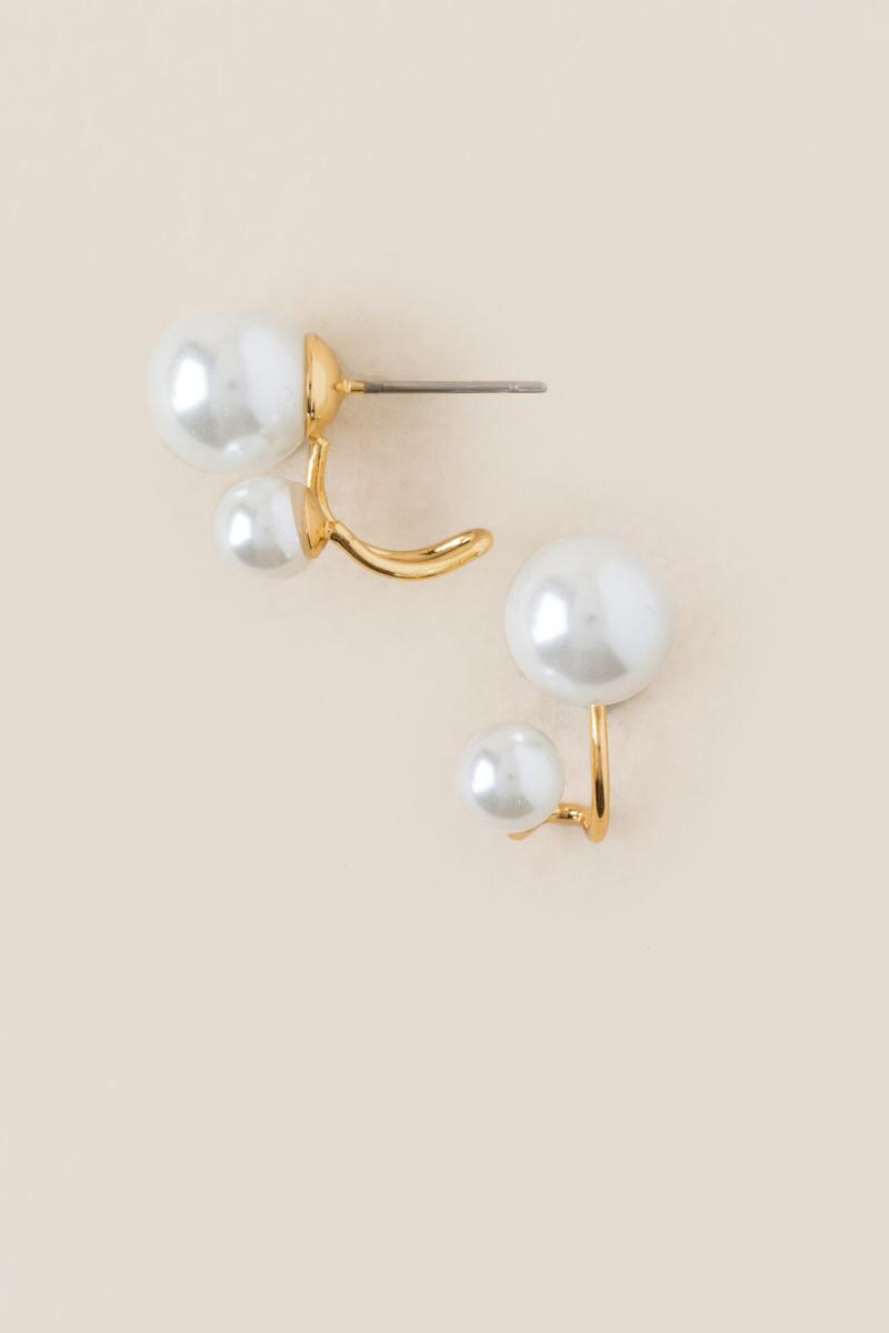Kyomi Pearl Cuff Stud Earrings