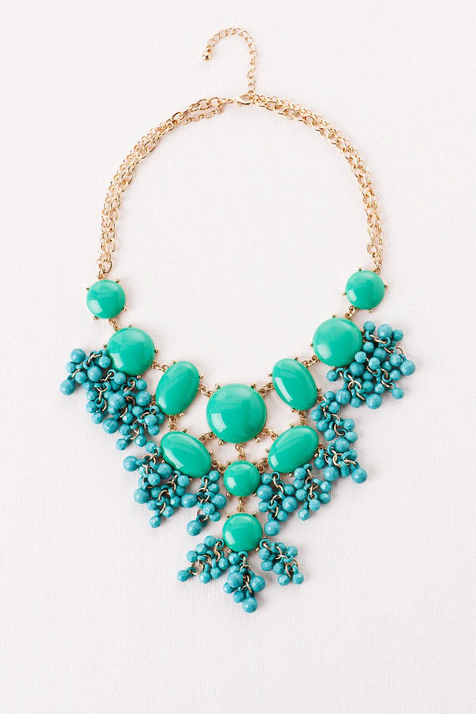 Corfu Island Beaded Statement Necklace in Green-  grn-cl