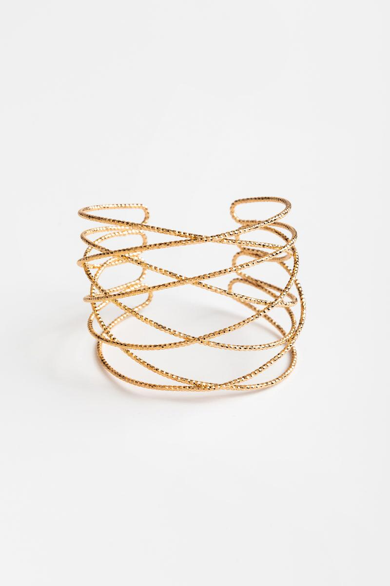 Chanelle Twisted Sparkle Cuff   francesca's
