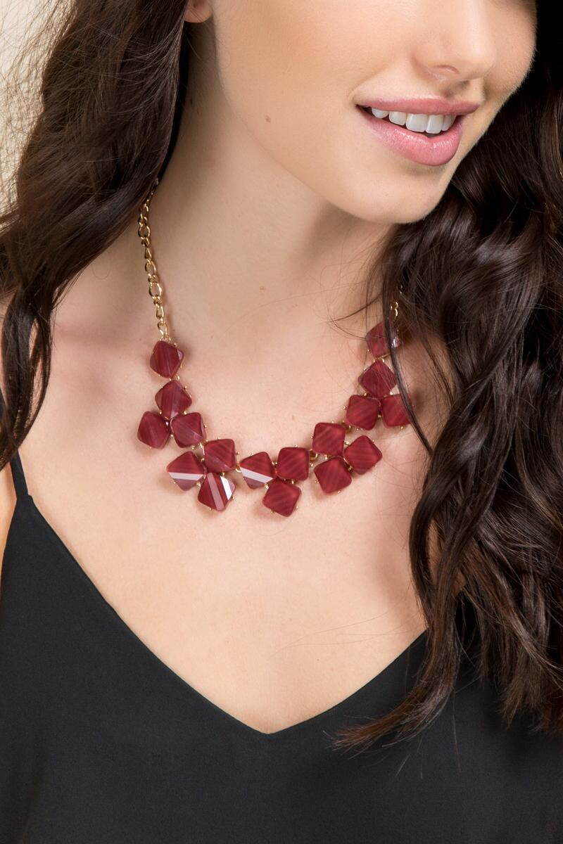Dayson Textured Statement Necklace in Burgundy-  burg-clmodel