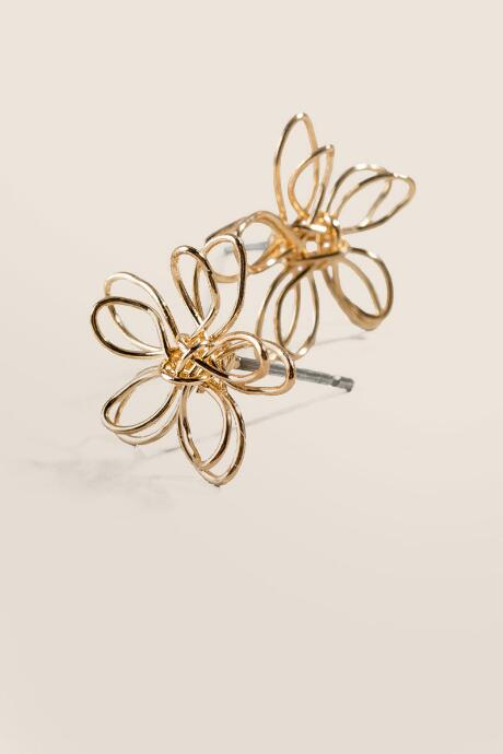 Becca Wire Flower Stud Earrings in Gold