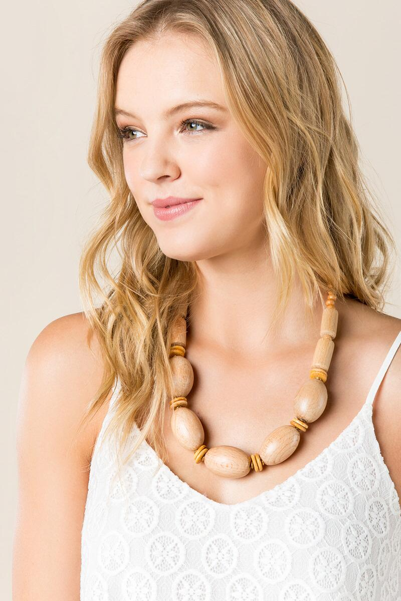 Brooke Oval Wood Bead Necklace-  tan-clmodel