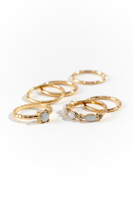 Riza Delicate Ring Set