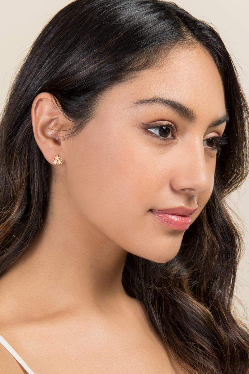 Molly Star Cluster Stud Earring-  gold-clmodel