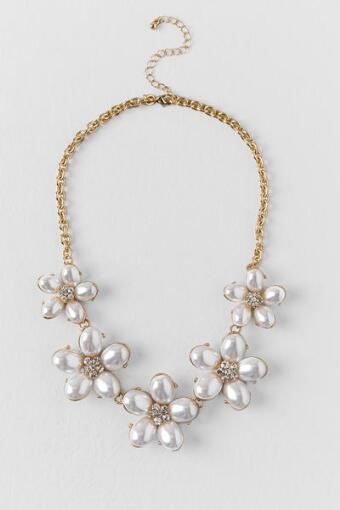 Abrielle Pearl Flowers Statement Necklace