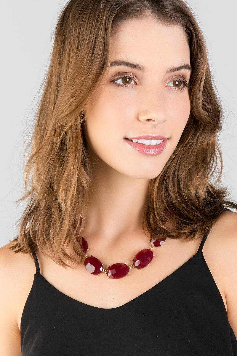 Mariana Facet Oval Statement Necklace in Burgundy-  burg-clmodel