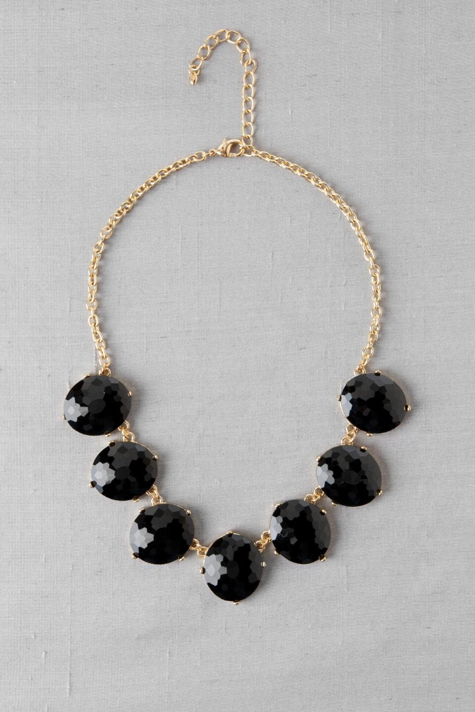 Archer Heights Oval Stone Necklace in Black-  blk-cl