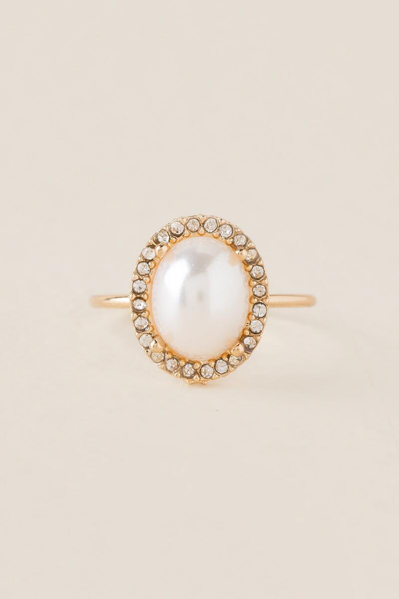 Rylie Oval Pavé Ring In White