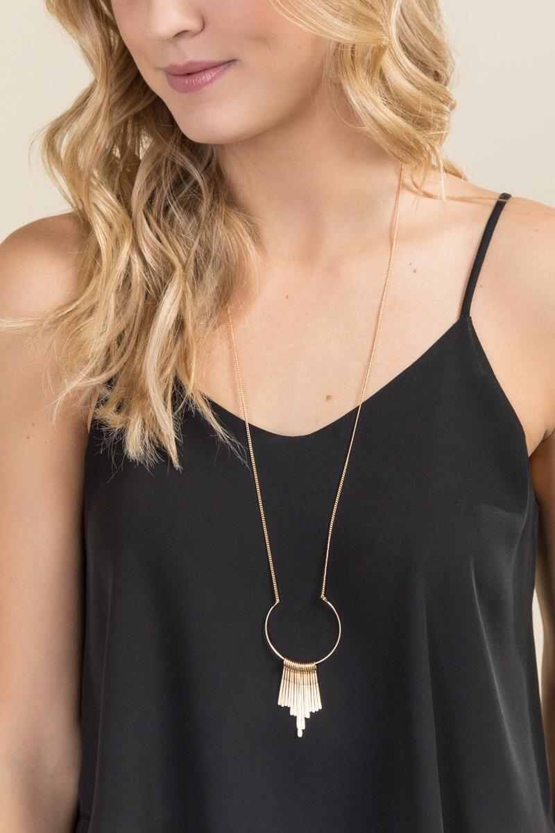 Emilia Geometric Fringe Pendant Necklace-  gold-clmodel