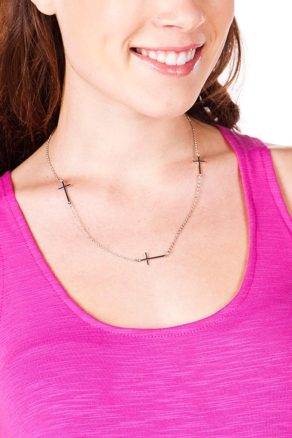 Grace Cross Necklace in Silver-  silv-clmodel