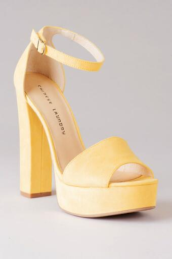 Chinese Laundry Shoes, Avenue Platform Pump in Yellow