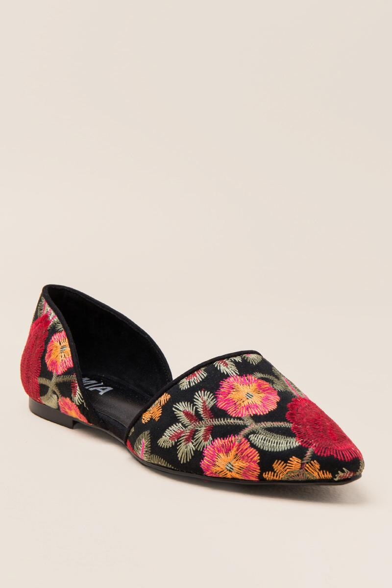 MIA Caroline Embroidered D'Orsay Flat-  blk-cl