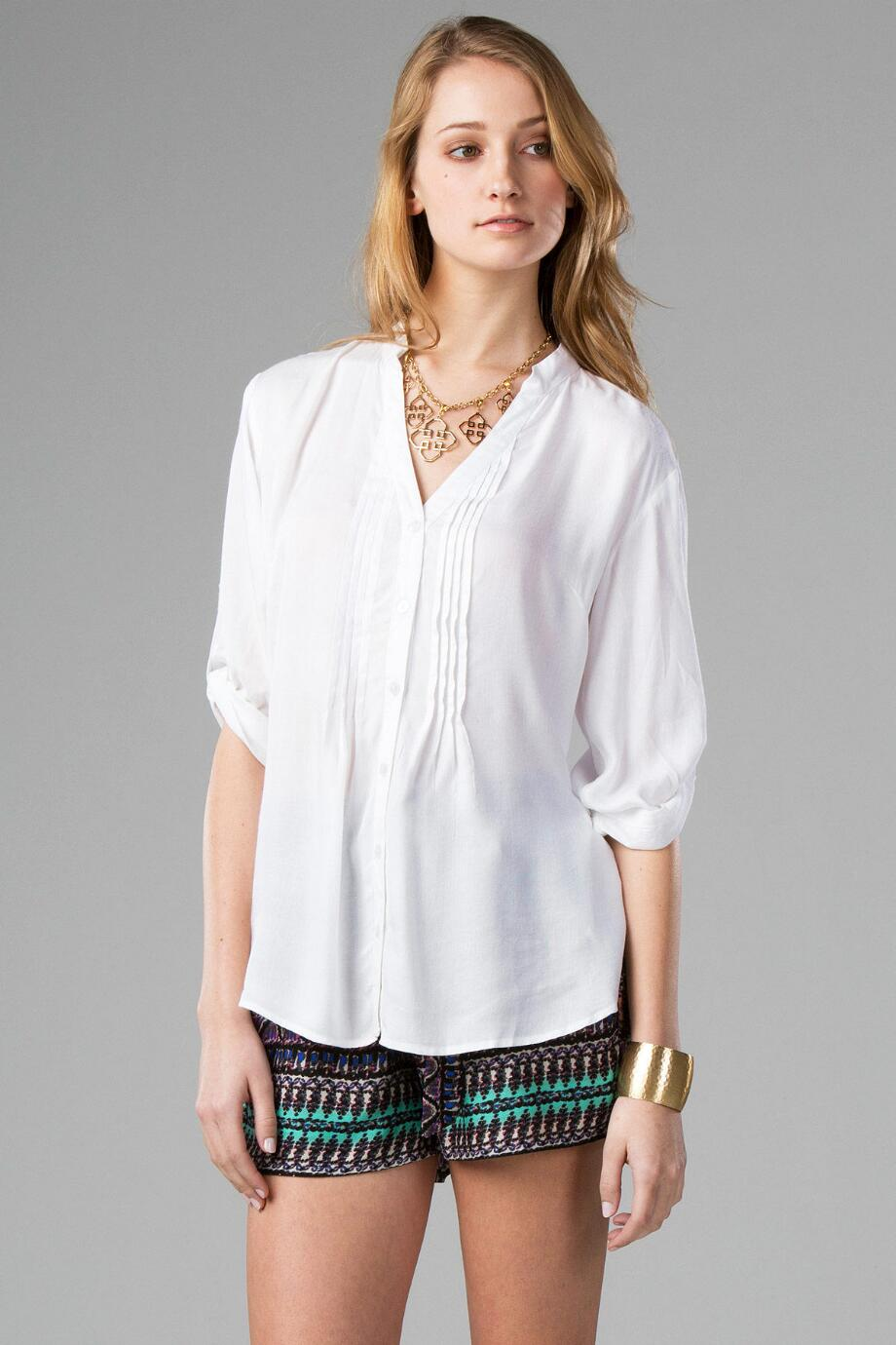 Collier Eyelet Buttoned Blouse